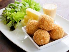 Egy finom Karfiolos húsgombóc sajtmártással ebédre vagy vacsorára? Karfiolos húsgombóc sajtmártással Receptek a Mindmegette.hu Recept gyűjteményében!