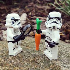 """What's this??"" #lego #legolife #brickcentral #brickbundy #bricklife #bricknetwork #starwars #stormtrooper #legostormtrooper #clonetrooper #legostarwars #legocity #legocreator #legoland #legofigure #legofigures #starwarslego #legophotography #legography #legogram #legostagram #toyphotography #theforceawakens #legofigures #minifigures #minifig #ilovelego #legofan #afol by brickbundy"