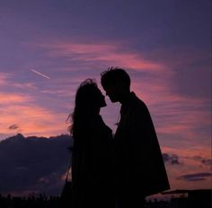 Imagem de love, couple, and sky Relationship Goals Pictures, Cute Relationships, Couple Aesthetic, Aesthetic Pictures, Cute Couples Goals, Couple Goals, Cute Couple Pictures, Couple Photos, Couple Tumblr