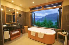 What's better then relaxing in a luxurious hotel bathtub? Relaxing in a luxurious hotel bathtub with an incredible view. Here are our favorites. Luxury Accommodation, Luxury Lodges, Destinations, Destination Voyage, Hotel Interiors, Stunning View, Beautiful, Dream Rooms, Vacation Trips