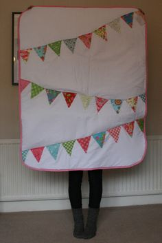 oh gosh: A Bunting Quilt DI use my vintage hankies as the flags