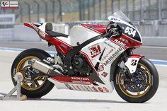 The bike of Michael v/d Mark Racing Motorcycles, Motorcycle Gear, Honda Fireblade, D Mark, Speed Bike, Sportbikes, Street Bikes, Cool Bikes, Motorbikes