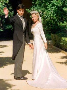 Bridesmaid Dresses, Wedding Dresses, Celebrity Weddings, Celebrities, Women, Formal Wear, Photograph, Trousers, Suit