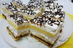 Erfrischende Zitronen-Sahne-Schnitten | Top-Rezepte.de Czech Recipes, Ethnic Recipes, Cheesecake, Lemon Cream, Sauerkraut, Sweet Recipes, Raspberry, Food And Drink, Cookies