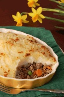 Yield: 4 Servings    Ingredients:    1 1/2 pounds ground round beef  1 onion chopped  1-2 cups chopped carrots, corn & peas  1 1/2 - 2 pounds potatoes (3 big ones)  8 tablespoons butter (1 stick)  1/2 cup beef broth  1 teaspoon Worcestershire sauce  Salt, pepper, other seasonings o