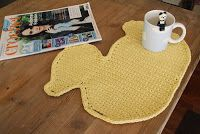 Duck flannel or duck placemat from: http://crochetbrio.blogspot.co.uk/