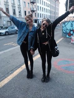 best friends, black, fashion, girls, grunge, hipster, leather, leggings, make up, model, nyc, picture, street, tumblr, glasses.hair