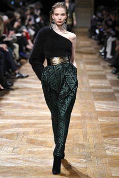 Balmain Fall 2013 Ready-to-Wear Fashion Show - Manon Leloup