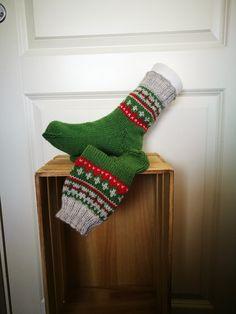 Sokker 37- 38 Christmas Stockings, Holiday Decor, Home Decor, Needlepoint Christmas Stockings, Decoration Home, Room Decor, Christmas Leggings, Home Interior Design, Home Decoration