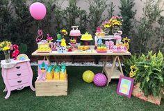 """Festa tropical Decor @aki.temfesta - Decoração """"Flamingo e Abacaxi"""" para comemorar o aniversário de uma mocinha de 12 anos. Muita fofura não é?!  . . . . Aki Tem Festa!  . . . . #alugueldepecas #decoracaocriativa #decoracaoinfantil #festa #festabh #festalagoasanta #mamaefesteira #akitemfesta #akitemfestadecor - #regrann #amaislindafesta #festalinda #decoracao #party #festainfantil #kidsparties #minitable #miniparty #festatropical #flamingos #flamingosparty"""