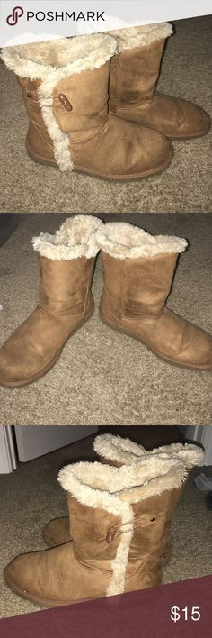 ✅💕SALE💕Tan Fleece Lined Boots Good condition. Combine with any other item with a ✅ for a $15 bundle. Or add 3 more items & get 30% off! AEROSOLES Shoes Winter & Rain Boots