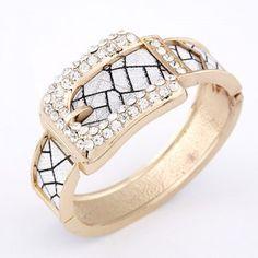 Drilling Fashion Cracks Pattern Belt Design Bangle - Golden