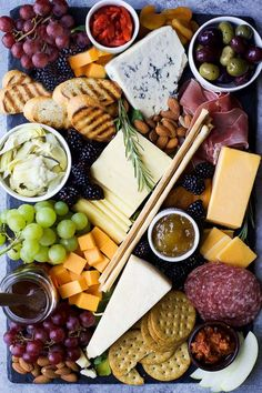 How to Make the Ultimate Cheese Board and which wines to pair it with! This appetizer recipe is easy to make and definitely a show stopper! | #ad #UndeniablyDairy #winecheese