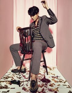 u look different here. Park Hyung Sik Hwarang, Park Hyung Shik, Strong Girls, Strong Women, Asian Actors, Korean Actors, Ahn Min Hyuk, Do Bong Soon, Park Bo Young