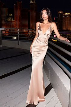 c3d861f3ed9 38 Best Gold evening gowns images