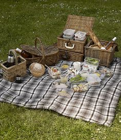 Resultados de la Búsqueda de imágenes de Google de http://www.bahighlife.com/Media/images/Daylesford-Organic-picnicH-881b8e11-0bcd-475f-944c-804ed762fc61.jpg