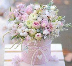 Lovely and delicate bouquet pastel flowers arrangement ll - Blumen - Beautiful Flower Arrangements, Pretty Flowers, Fresh Flowers, Floral Arrangements, Pastel Flowers, Deco Floral, Arte Floral, Frühling Wallpaper, Table Rose