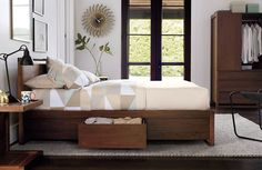 Articles about collection/small spaces on Apartment Therapy, a lifestyle and interior design community with tips and expert advice on creating happy, healthy homes for everyone. Best Storage Beds, Bed Storage, Bedroom Storage, Storage Drawers, Extra Storage, Apartment Therapy, Lampe Gras, Small Space Storage, Bedroom Furniture Design