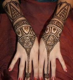 """Share this on WhatsAppThe Arabic mehndi designs are usually visible on wedding day and """"Henna nights"""". They also call Henna night as """"the night before [. Latest Arabic Mehndi Designs, Arabic Henna Designs, Mehndi Designs For Hands, Henna Tattoo Designs, Bridal Mehndi Designs, Arabic Design, Hand Mehndi, Mehndi Mano, Tribal Henna"""