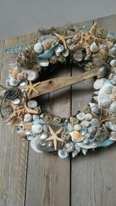 Sea - wreath / zeekrans, shell wreath.