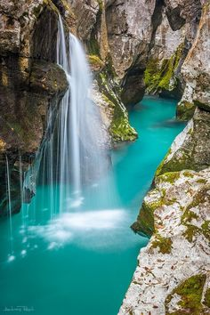 Turquoise, Soca River, Slovenia  photo via diane   Could the water be any more beautiful!!