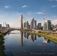 Estaiada Bridge - São Paulo - Brazil / © Alexandre F de Fagundes