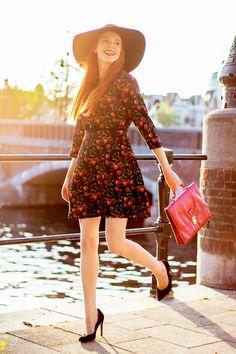 Outfit | @TedBaker Cherry Sunset - Retro Sonja Fashion Blog - www.retrosonja.com