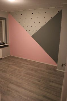 Zimmer Baby room with painted surfaces; pink and gray and black dots, room # su Bedroom Wall, Bedroom Decor, Bedroom Ideas, Cool Teen Bedrooms, Girl Bedroom Designs, Kids Room Design, Little Girl Rooms, Baby Room Decor, Room Paint