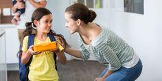 Дети не всегда рассказывают о школьной жизни в подробностях. Чтобы узнать у маленького школьника как можно больше, придётся проявить фантазию, как сделала мама одной первоклассницы.