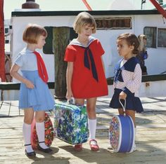 So basically my brain might explode from the cuteness that is .Olive, Poppy, and Chloe. Cute Fashion, Kids Fashion, Vintage Fashion, Fashion Design, Vintage Girls, Vintage Children, Child Models, Kind Mode, Kids Wear