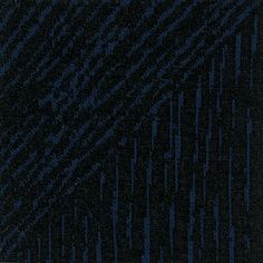 Jacquard sort med blå striber - Pris: 99,95 pr. meter   84% Polyester, 15% Rayon, 1% Spandex   ca. 125 cm bred   Varenr. 203444