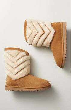 Currently crushing on these UGG Australia boots with chevron details.