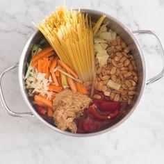 One Pot Pasta Thai Style mit Erdnüssen-Topf_featured