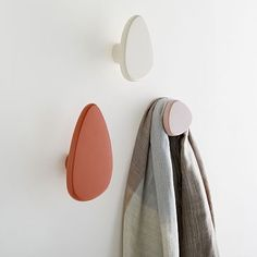 Shop pebble wall hooks from west elm. Find a wide selection of furniture and decor options that will suit your tastes, including a variety of pebble wall hooks.