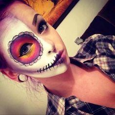 """En ce moment les calaveras ( têtes de mort mexicaines) ou aussi appelées """"sugar skulls"""" sont super hype. À l'origine les calaveras sont le symbole du Jour des Morts au Mexique (qui est une fête très joyeuse en réalité :) Pour ...."""