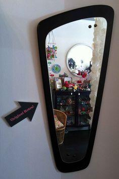 black retro mirror