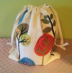 Super Easy Drawstring Bag Tutorial... perfect for the kid's library bag