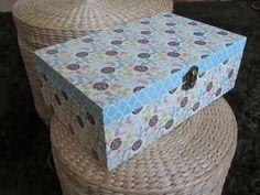 Caixa de madeira forrada em papel