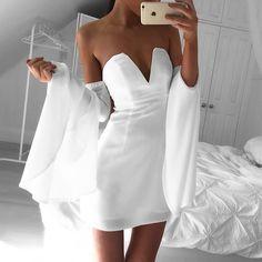 Bell Sleeve dress @saboskirt ▫️◻️▫️