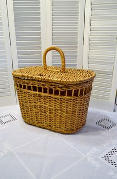 Vintage Wicker Basket Picnic Craft Storage Lined Rustic Country Home Decor PanchosPorch