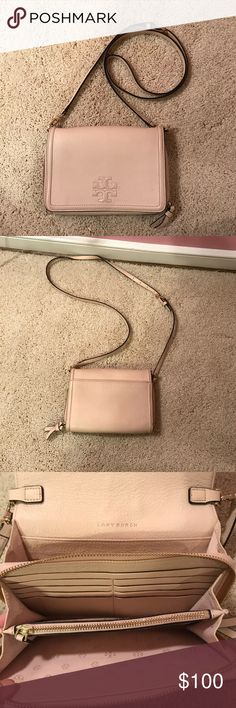 In great condition with big wallet/pockets for all phone types. Tory Burch Bag, Cross Body, Crossbody Bags, Neutral, Pockets, Wallet, Best Deals, Phone, Big