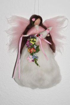 FRÜHLINGSFEE mit FÜLLHORN Jahreszeitentisch Märchenwolle Frühling Elfe Engel