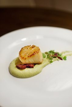 Seared Scallop with Edamame Puree
