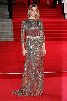 Léa Seydoux in Prada at the Spectre Royal World Premiere (I)