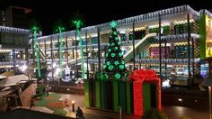 El Viernes pasado tuvimos el placer de dar comienzo a la navidad en nuestro centro con el encendido de Navidad, y este es el resultado. Esperemos que les guste!!