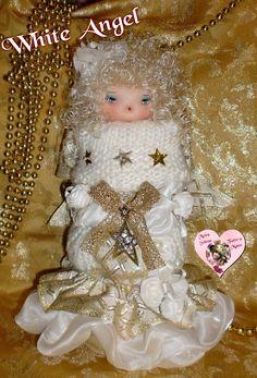 """""""Sono un angioletto natalizio morbido morbido ..mica piccolo!!! 27 cm di morbidezza e dolcezza!"""" Mi trovi su Facebook LE BAMBOLE DI MOIRA SOLENA https://www.facebook.com/LeBamboleDiMoiraSolena/"""
