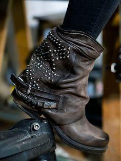 Biker Boots » Nieten und Co. für einen lässigen Lifestyle