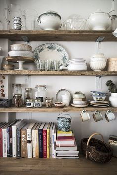 Wooden Home Decor Mademoiselle Poirot rustic kitchen storage ideas !Wooden Home Decor Mademoiselle Poirot rustic kitchen storage ideas ! Boho Kitchen, Kitchen Living, Rustic Kitchen, Kitchen Decor, Kitchen Ideas, Country Kitchen, Vintage Kitchen, Eclectic Kitchen, Kitchen Trends