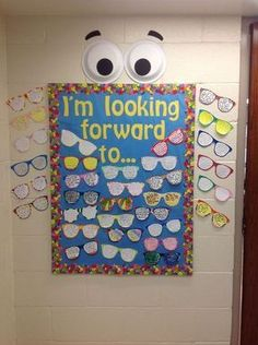 End Of The Year Bulletin Board That Includes A Writing Activity What Are Students Looking Forward To For Next School