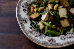 101cookbooks.com is the BEST and this is my favorite recipe on the site.  http://www.101cookbooks.com/archives/asparagus-stirfry-recipe.html